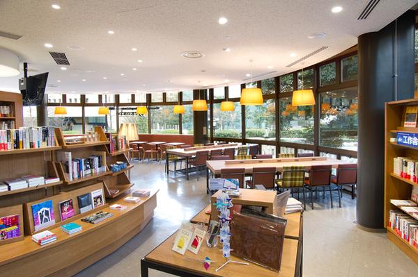おしゃれな「図書館」日比谷図書文化館