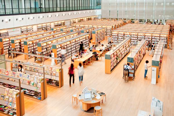 おしゃれな「図書館」山口市立中央図書館