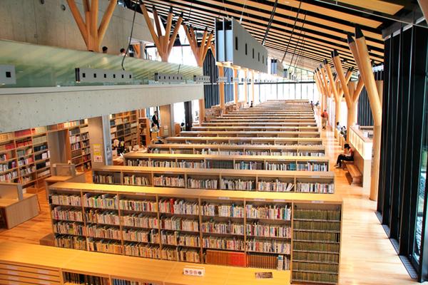おしゃれな「図書館」飯能市立図書館