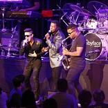 """<ライブレポート>""""The King of R&B is Back!""""ベイビーフェイス、来日ツアー初日公演レポートが到着"""