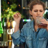 「記憶にございません!」酔っぱらいアラフォー女性の迷惑行動とは?