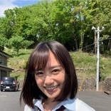 制服似合う女優・吉田志織、トレンチコートで大人の着こなし ヨガ姿も披露<動画あり>