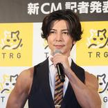 武田真治、ノースリーブスーツ姿に「究極のクールビズです」!交際中の恋人とは、「順調なので、そう遠くないかと」