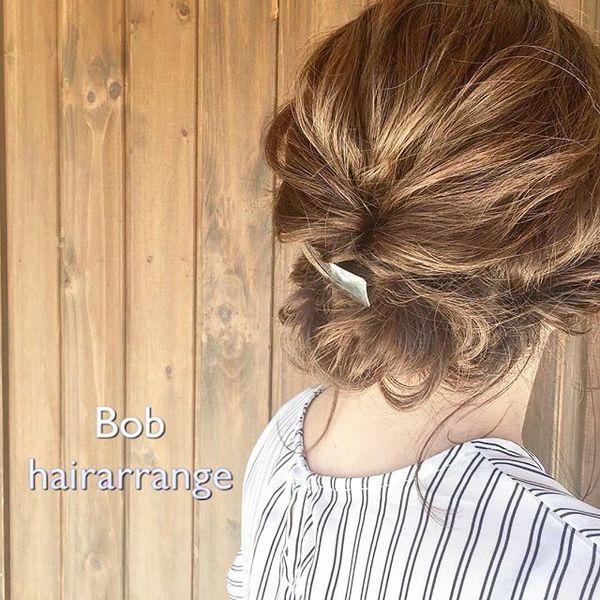 バレッタが大人な印象のまとめ髪