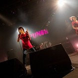 <ライブレポート>ザ・クロマニヨンズ、常に最大瞬間風速な全国ツアー【PUNCH】の東京公演を開催