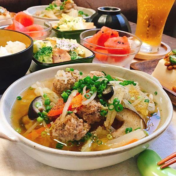 親子丼と簡単!野菜と肉団子の付け合わせスープ煮