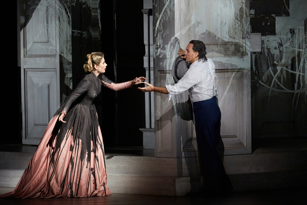 Malin Bystrom as Donna Anna and Erwin Schrott as Don Giovanni  (C) ROH 2019 Photographed by Mark Douet