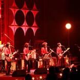 カーリングシトーンズ、初の全国ツアー開幕&追加公演発表