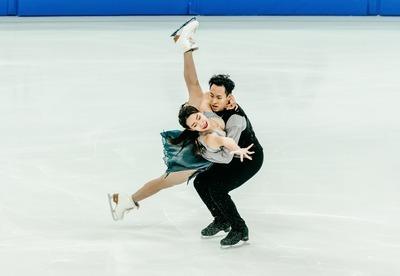 figure-skating-4529180_1920