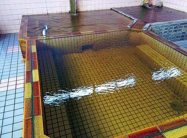 新遊亀温泉