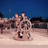 綾野剛&King Gnu常田がディズニーへ 「三日間飲み続けて行き着いた」