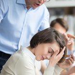 横暴な態度の人を撃退したい! 職場で使える3つの対処法