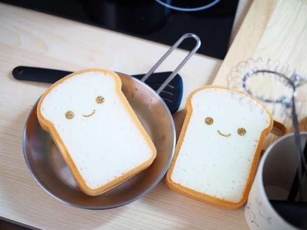 食パンキッチンスポンジ(ダイソー)