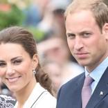 キャサリン妃、子どもたちとのふれ合いで輝くほほ笑み ウィリアム王子と公務へ
