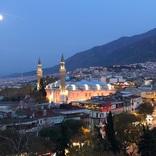 トルコの世界遺産の街・オスマン朝の古都ブルサ最大規模のモスク「ウル・ジャーミィ」