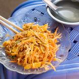 【世界ひとり飯(2)】ミャンマーのバガン遺跡で手混ぜ麺を堪能
