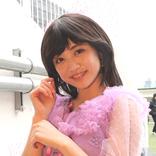 新井ひとみ、新曲『少女A』をファンを前に熱唱 ビター テイストの80年代アイドル的歌声で魅了