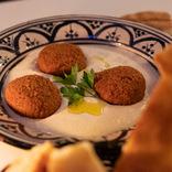 【世界ひとり飯(3)】ベルギー・ブリュッセルで見つけた「おしゃれなモロッコ料理店」で本場の味を堪能