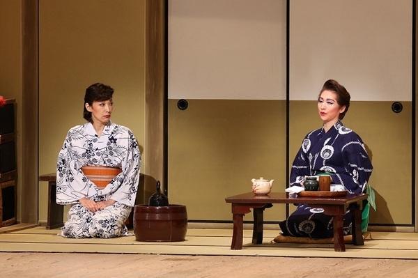 (左から)真琴つばさ・桜花昇ぼる (C)松竹