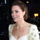 輝く美しさ! キャサリン妃、ゴールド&ホワイトドレスで華麗な装い BAFTA授賞式に出席