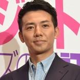綾部祐二、ニコラス・ケイジとの2ショット公開にファン驚き 「すげえ」「まじ?」