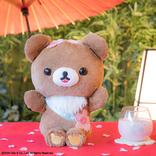 桜にはしゃぐチャイロイコグマとお花見したい!『一番くじ リラックマ さくらのカフェ』3月登場