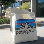 パタゴニアの「ミニ・トート」はマチが広い上に肩掛けもできる! お弁当箱入れにピッタリだよ|マイ定番スタイル
