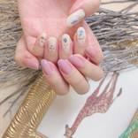 上品に飾りましょ♡「一輪花ネイル」で大人かわいい春の指先