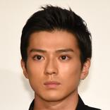 新田真剣佑の可愛すぎる?一面を先輩俳優が明かす「ちょっと不安だと…」