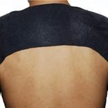 身に付けっぱなしで快適。冷えやコリを温めてやわらげる両肩用サポーター