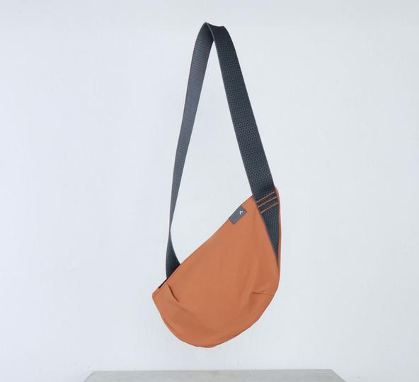 crescent_bag_oxide_tri