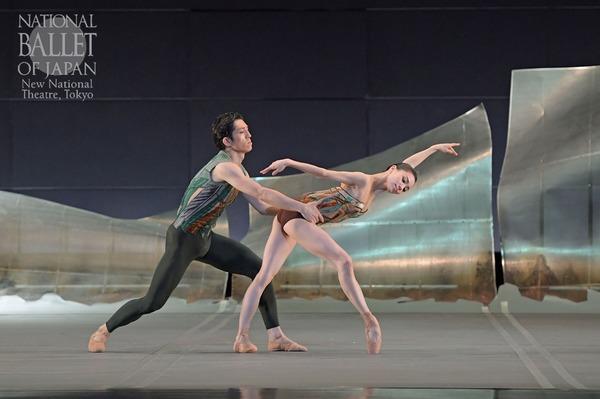 『DGV Danse à Grande Vitesse (C)』小野絢子、木下嘉人(撮影:鹿摩隆司/写真提供:新国立劇場)