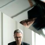 ヘニング・シュミート、新作『Schlafen』完成&全国16都市を回る来日ツアー決定