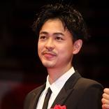 成田凌「役は選ばず、地道にやっていく」 「毎日映画コンクール」で男優主演賞に輝く