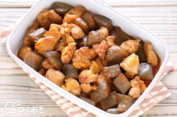 焼き魚料理で定食風!鶏肉とこんにゃくの炒り煮