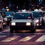 タクシー運転手が受難 客にメッタ刺しにされ顔面に大けが