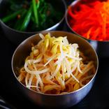 絶品ナムル盛りは、レンチンして調味料をまぜるだけで作れる