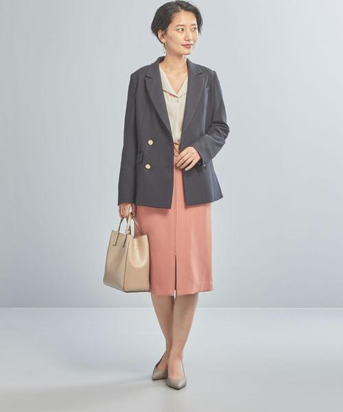 メタルボタンジャケット×タイトスカート