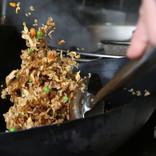 チャーハン作りに必要な中華鍋の振り方を分析した研究
