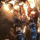 日本一危険な祭に行ってきた。燃え盛る炎に飛び込む男たちに仰天…