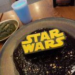 フォースの覚醒でレイが食べてたパン!ファン感涙『スター・ウォーズ』カフェでジェダイ気分を満喫