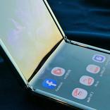 サムスンの縦折りスマホ「Galaxy Z Flip」、初日販売分の予約が終了