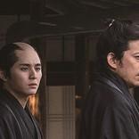 岡田准一&山田涼介の緊迫感漂う表情『燃えよ剣』新写真4点公開