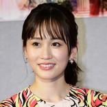 """『伝説のお母さん』前田敦子の""""娘""""さっちゃんが「かわいい」「女優すぎる」と話題"""