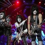 KISS、ステイプルズ・センターで行ったライブで故コービーを追悼
