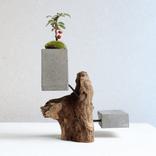 これ1つでおしゃれ部屋♡流木×セメントのハイセンスな花瓶