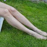 トリンドル玲奈のミニスカ美脚にファン「ごちそうさま」