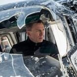 """ダニエル・クレイグ、『007』最新作が""""呪われた映画""""呼ばわりされることに怒り"""