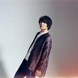 石崎ひゅーい、3/11リリースの新曲「パレード」MV公開 銀世界で孤独を歌う1発撮り