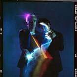 アヴァランチーズ、リヴァース・クオモ参加の新曲「ランニング・レッド・ライツ」をリリース